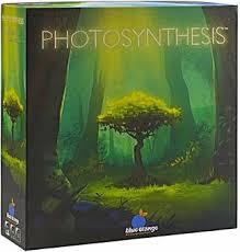 Photosyntesis es un juego de mesa familiar con una preciosa temática sobre el crecimiento de las plantas y árboles, disponible para comprar en oferta en Lámpara Mágica Shop. Tu tienda online especializada en juegos de mesa. Estamos en Sevilla.